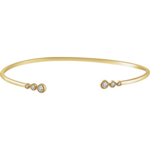 "14K Yellow 1/4 CTW Graduated Diamond Bangle 7"" Bracelet"