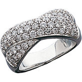 1 1/2 ct tw Pavé Diamond Crossover Band