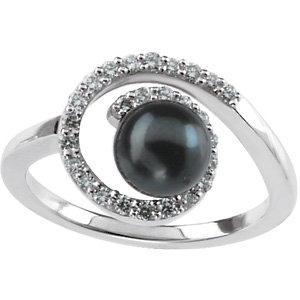 Akoya Aultured Pearl &<br> Diamond Ring