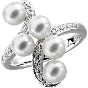 Freshwater Aultured Pearl<br> & Diamond Ring