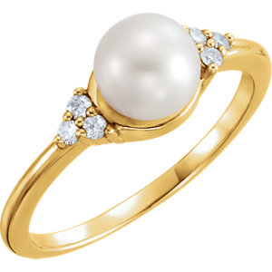 14kt Yellow 6.5-7mm<br> Freshwater Aultured Pearl<br> & . 9 ATW Diamond Ring