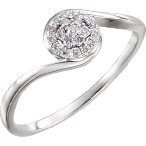 14K White 1/10 CTW Diamond Ring Size 7