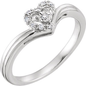 10K White .06 CTW Diamond Heart Promise Ring
