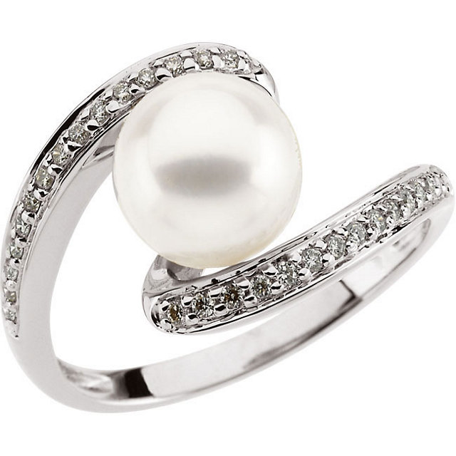 14K White Freshwater Pearl & 1/6 CTW Diamond Ring