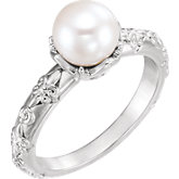 Vintage-Inspired Accented Pearl Ring