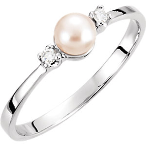 14K White 4.5mm Akoya Cultured Pearl & Diamond Ring